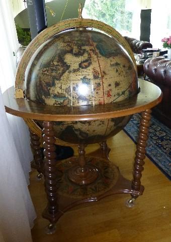 1 globusbar holz hausbar bar globus minibar regal weltkugel cognac wein dekobar ebay. Black Bedroom Furniture Sets. Home Design Ideas